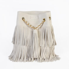 sac seau cuir daim suede chaine chainette doré couleur creme beige pompom frange boho chic boheme chic maroquinerie bag handmade made in italy made in france creatrice designer anita varry mohanita creations